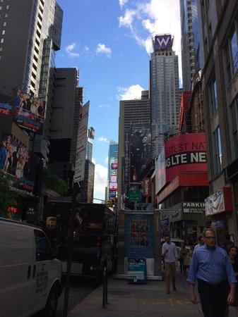 W New York - Times Square: Wホテルのロケーション