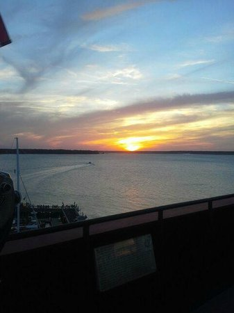 Harbour Town Lighthouse: Sunset from atop the lighthouse