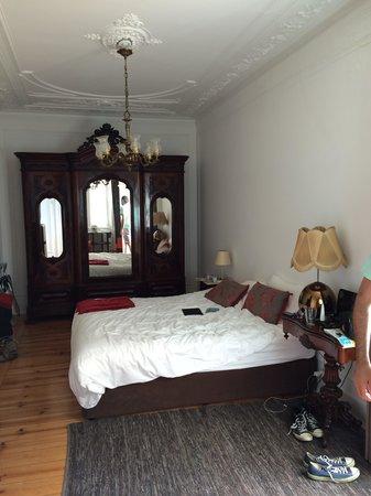 Casa Balthazar: Antique room