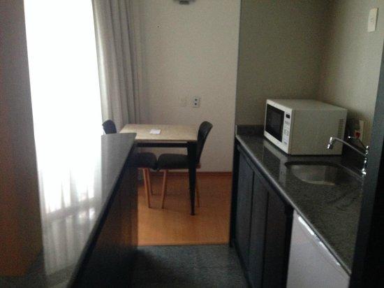 Address Faria Lima by Intercity: Cozinha do Apartamento Luxo