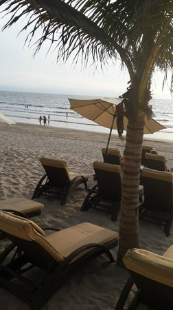 Marival Resort & Suites: Beach in afternoon