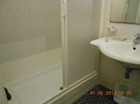 Ascot : doccia