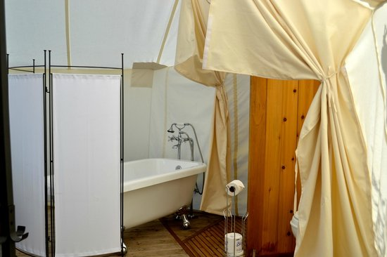 Yellowstone Under Canvas: a hot bath in this outdoor environment was luxurious