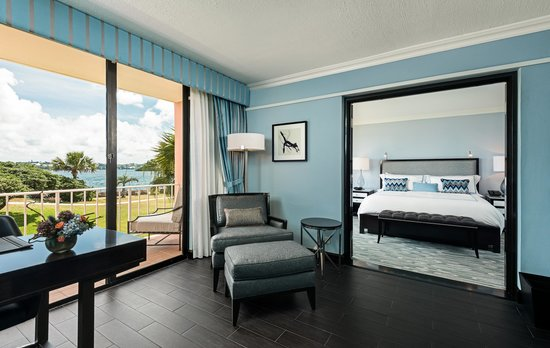 Hamilton Princess & Beach Club, a Fairmont Managed Hotel: One Bedroom Harbour View Suite