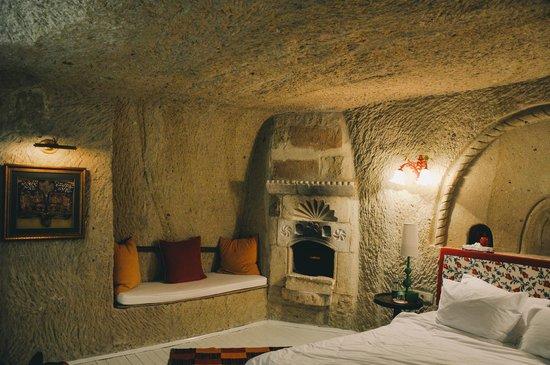 Hezen Cave Hotel: Hezen hotel room