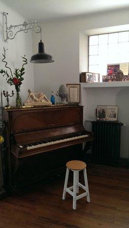 La Villa des Remparts : Piano