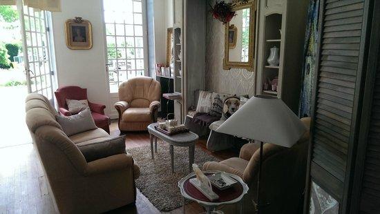 La Villa des Remparts : Salon de lecture