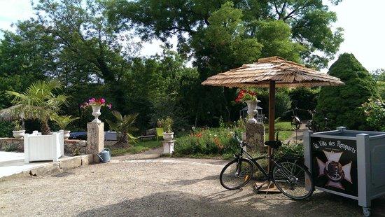 La Villa des Remparts: Jardin