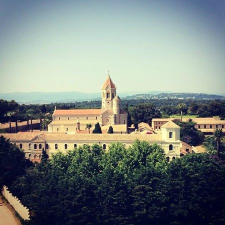 Ile Saint-Honorat: View of the island from the top of the fortified monastery.