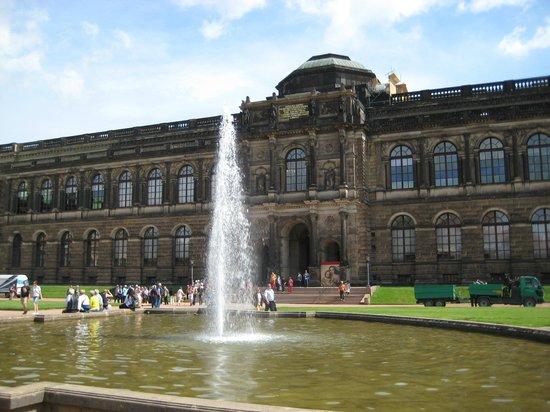 Park Inn by Radisson Dresden: Дрезденская картинная галерея