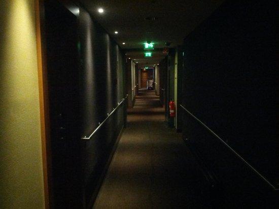 Eurostars Berlin Hotel: pasillos