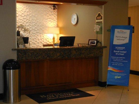 Baymont Inn & Suites Miami Doral: Recepción del hotel