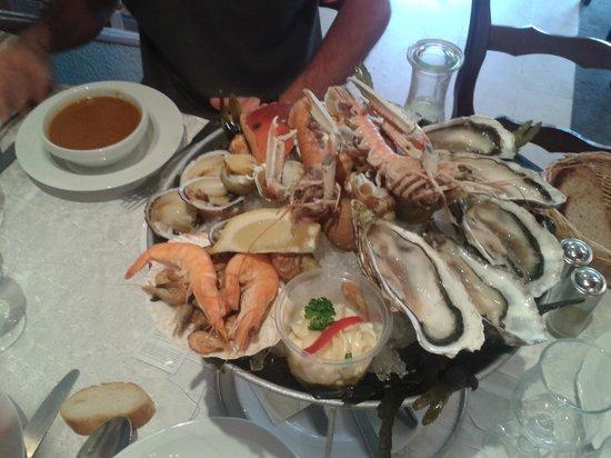 La Marie du Port : Il plateau de fruits de mer e la soup de poisson