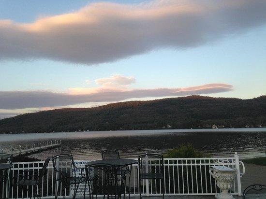 Marine Village Resort : gorgeous view of lake george