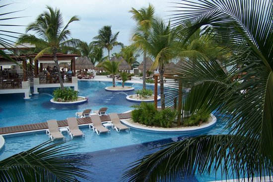 Excellence Playa Mujeres: one of the pool areas