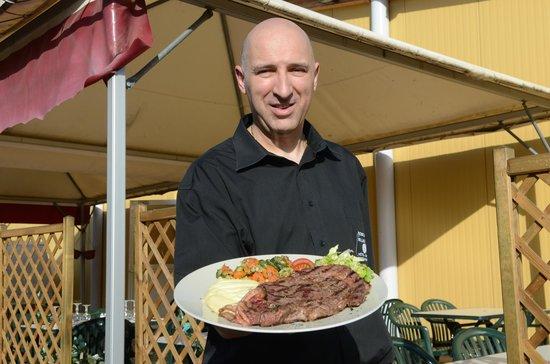 Hotel Bowling de Millau : la restaurant en terrasse