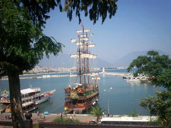 Marmaris Marina: А вот и наша яхта в марине Мармариса