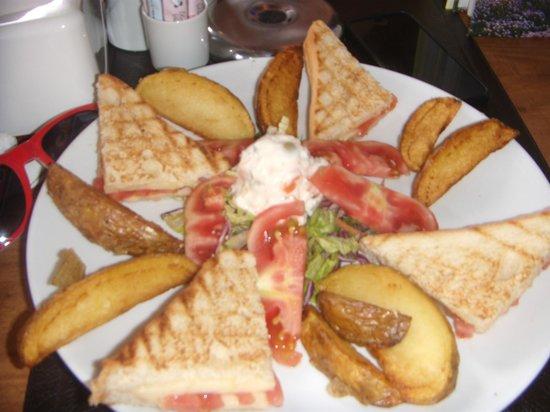 Dedem K. Restaurant: lunch tostie