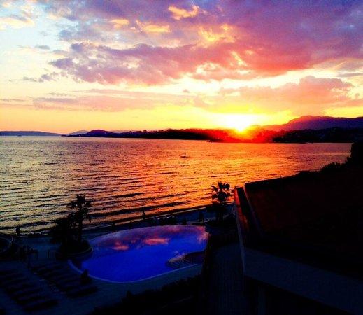 Le Meridien Lav Split : Sonnenuntergang vom Hotelzimmer aus