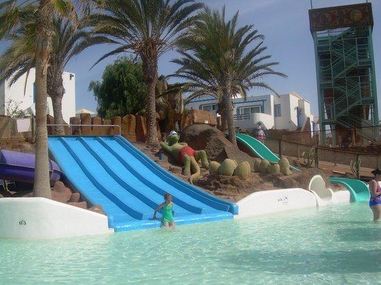 Aparthotel Paradise Island : une activité du parc aquatique