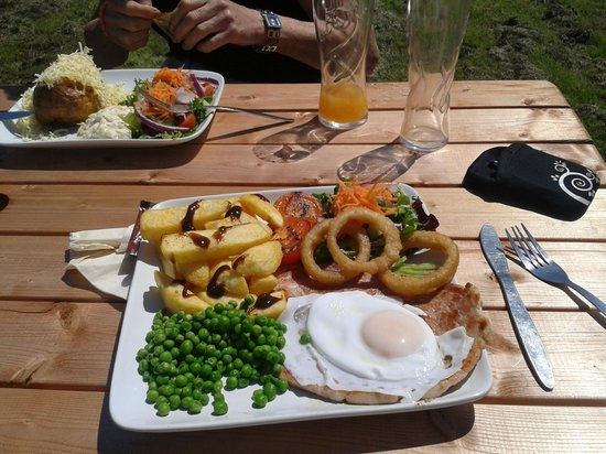 The Little Ship: Fabulous Food