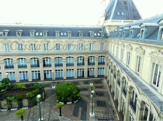 Crowne Plaza Paris Republique : Foto da  janela do meu quarto