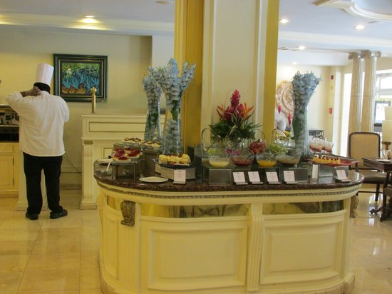 The Westin Camino Real: buffet