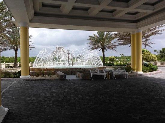 Iberostar Grand Hotel Paraiso: Entrada