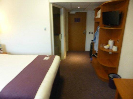 Premier Inn Shrewsbury Town Centre Hotel: Room