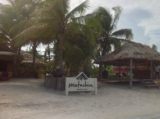 Matachica Resort & Spa : hotel beach entrance