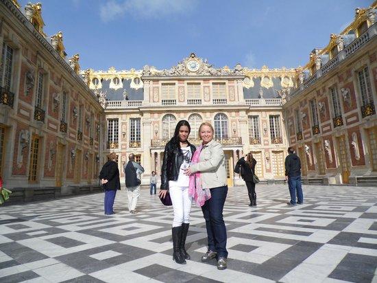 Chateau de Versailles: Dia de céu azul na primavera em Versalhes