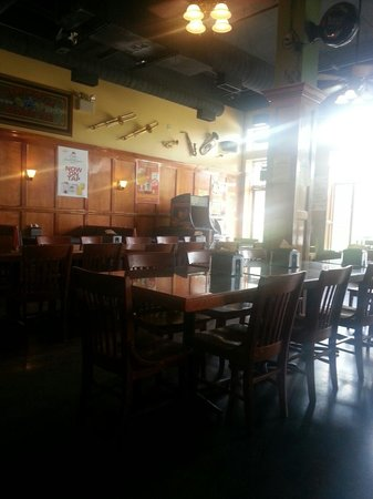 Sam's Pizza: Part of dining area