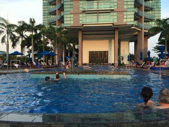 Chatrium Hotel Riverside Bangkok: piscine