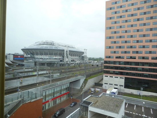 Hampton by Hilton Amsterdam / Arena Boulevard: View of the Amsterdam ArenA from the room