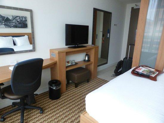 Hampton by Hilton Amsterdam / Arena Boulevard: Room