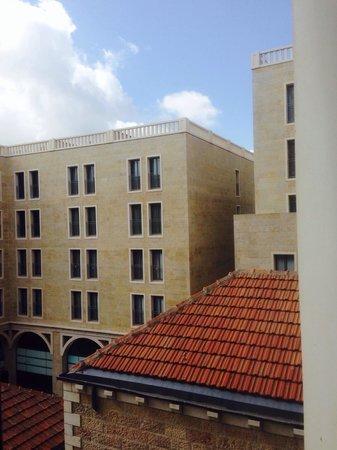Mamilla Hotel: Als Upgrade verkauft (zusätzlich!! 140 USD pro Nacht) mit dem Argument, es sei ein toller Blick