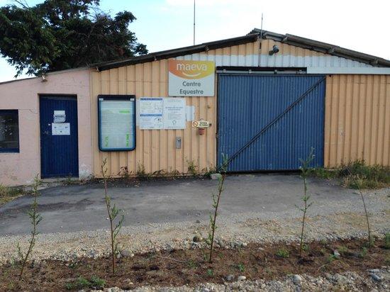 Apartamentos Maeva Club L'Estajan: Centre équestre fermé