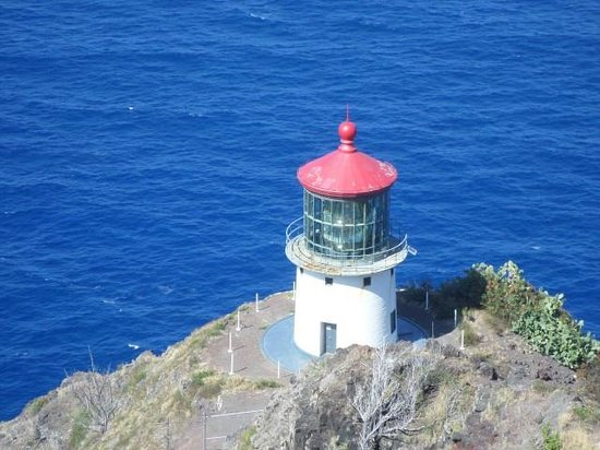 Makapuu Lighthouse Trail: Lighthouse, taken near top of the trail