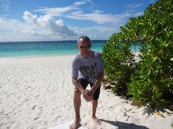 Adaaran Select Meedhupparu : The beach