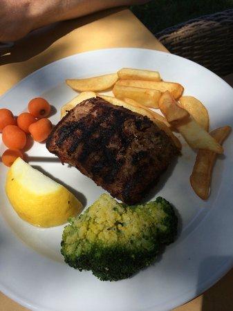 Kyano Beach Restaurant: Stuffed hamburger