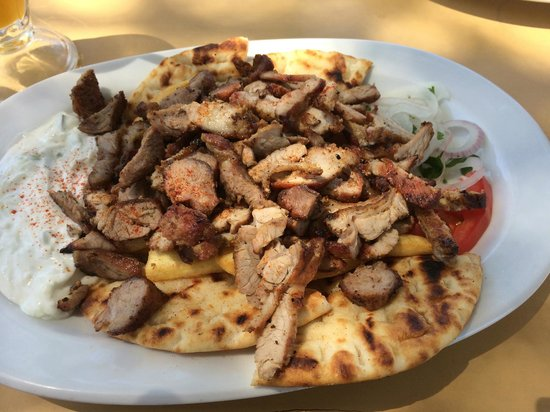 Kyano Beach Restaurant: Gyros with pork