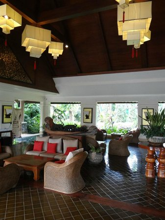 Laluna Hotel and Resort: lobby