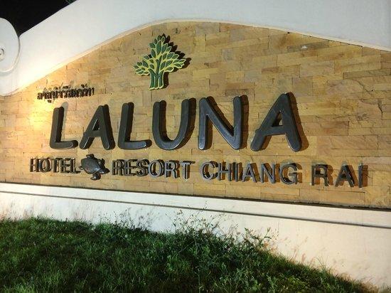 Laluna Hotel and Resort: entrée