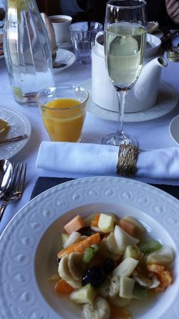 Glencoe House: Just the beginning of breakfast