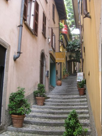 Hotel Bellagio : These are similar to the steps to get to hotel