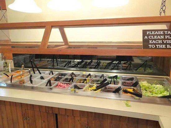 The Pines Restaurant: salad bar