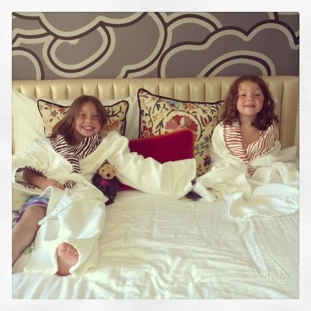 Kimpton Hotel Monaco Seattle : Our girls loved the animal print robes!