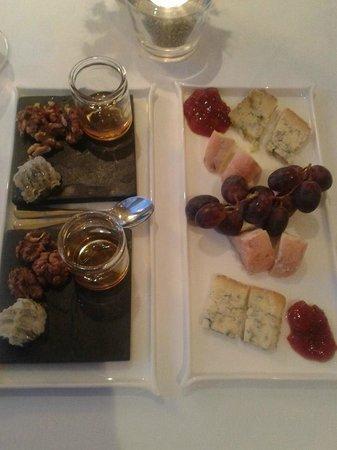 Driftwood Restaurant: Cheese course