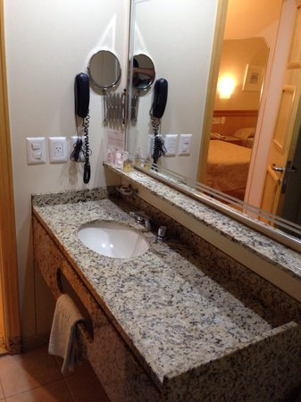 Hotel Regina: Banheiro Suite 618