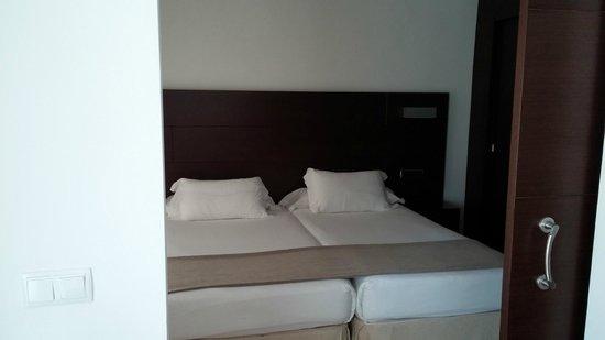 Las Gaviotas Suites Hotel : bedroom